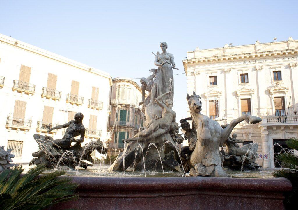 Fontana di Artemide